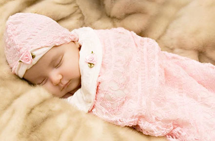 How Many Swaddles Does a Newborn Need – Everything About Receiving And Swaddling Blanket